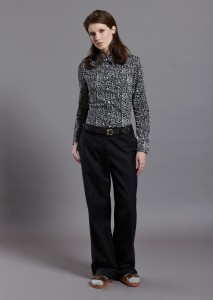 Frieda Shirt B&W, Sand Trs Blk front