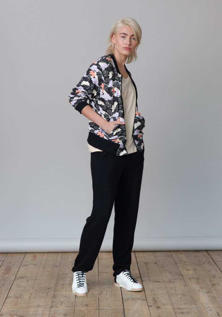 Frieda_Lookbook_blouson_flowers_print