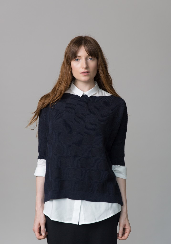 Frieda_Lookbook_knitter_blue