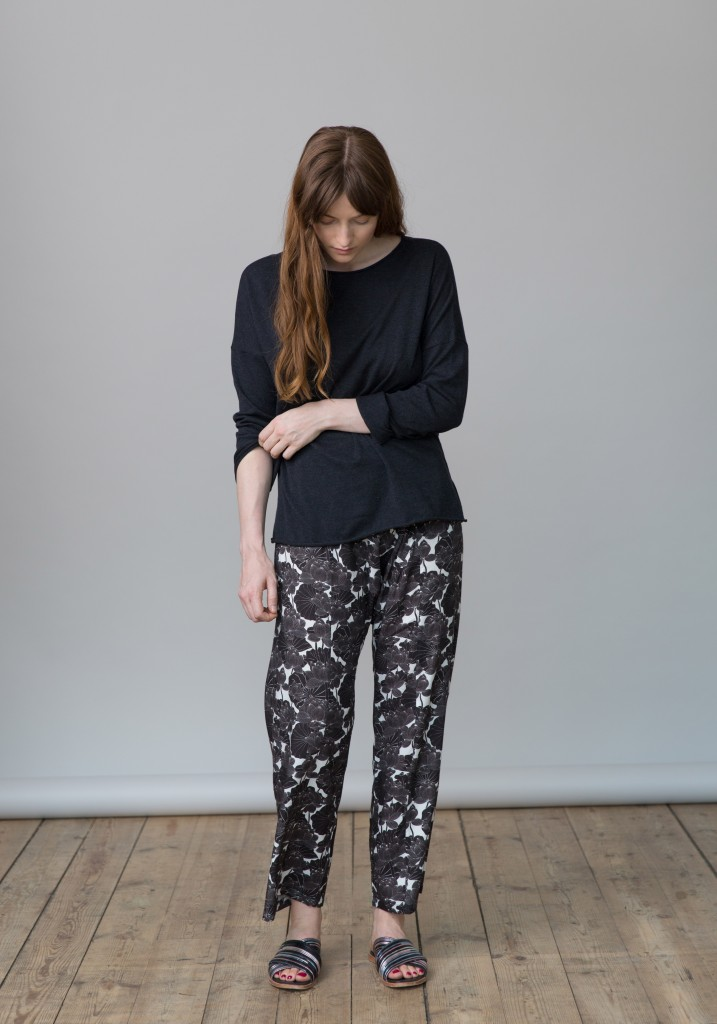 Frieda_Lookbook_trousers_flowers_print_2