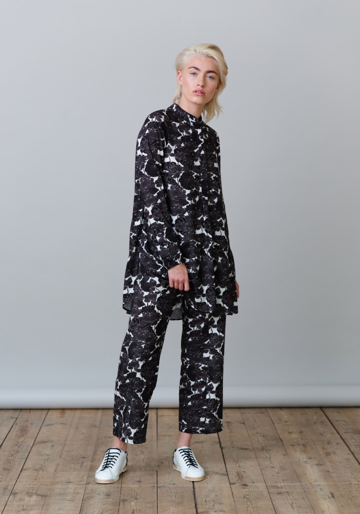 Frieda_Lookbook_trousers_flowers_print_4