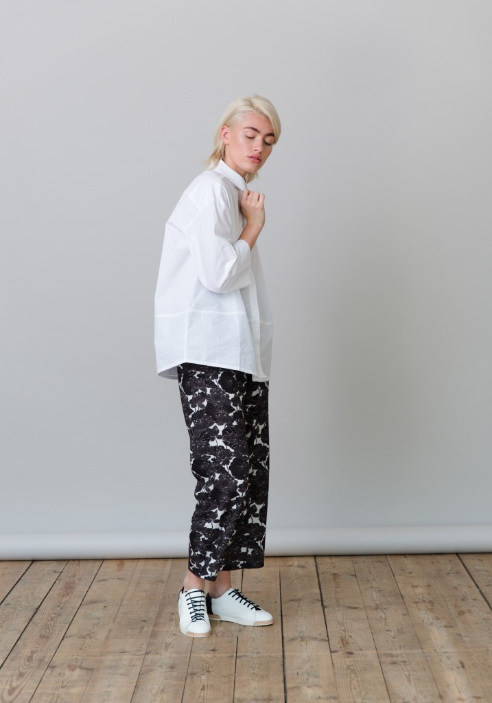 Frieda_Lookbook_trousers_flowers_print_5