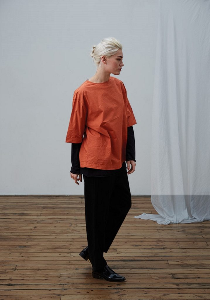 Frieda Sand_AW18_Lookbook_Short Sleeve Top Elsa_Trousers Marie